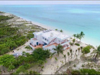 Cancún Beach Holiday Villas