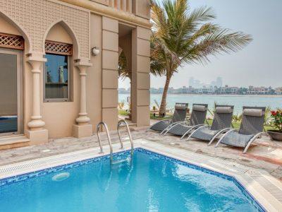 Dubai Holiday Villa with pool