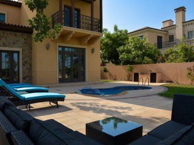 Luxury Jumeriah Golf Estates Villa with private pool (golf course view)